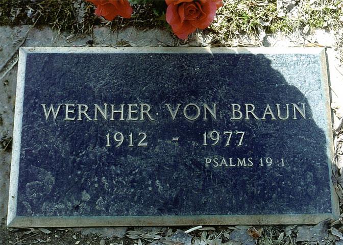wernher-von-brauns-tombstone